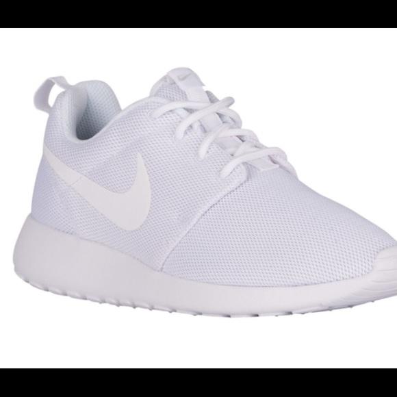 Nike Shoes - White Nike Roshes - like new ad7b2025f